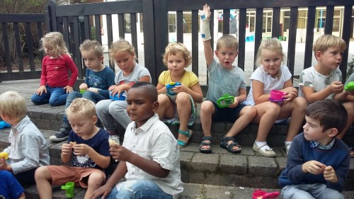 We spelen in de zandbak 20180904_135204.jpg