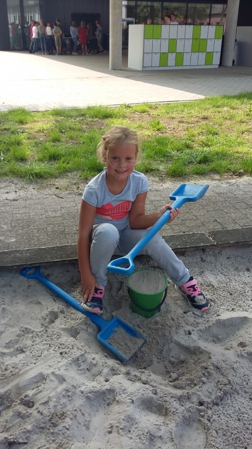 We spelen in de zandbak 20180904_140716.jpg